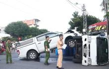 Tai nạn hy hữu: Xe bán tải đâm lật xe tải như phim hành động