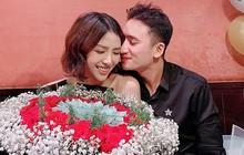 Phan Mạnh Quỳnh tổ chức sinh nhật cho vợ sắp cưới và món quà phủ đầy tiền gây choáng