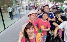 """Từ Singapore: Cô gái Việt số thứ tự 01 kể hành trình xếp hàng 30 tiếng """"săn"""" iPhone 11"""
