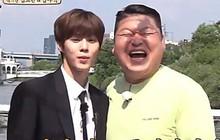 """""""Choáng váng"""" với màn """"so mặt"""" của mỹ nam X1 và MC kỳ cựu Kang Ho Dong!"""