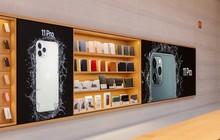 """Sau 2 năm tu sửa, Apple Store """"huyền thoại"""" ở Fifth Avenue đã mở cửa trở lại ở New York"""