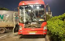 TP.HCM: Va chạm liên hoàn trên quốc lộ 1, nhiều hành khách hoảng loạn cầu cứu