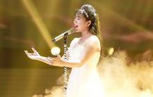 Giọng hát Việt nhí: Lưu Thiên Hương khóc nức nở trên sân khấu khi xem học trò hát tặng mẹ bị ung thư
