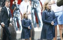 Đưa con gái út cùng đi quay quảng cáo, David Beckham gây chú ý với vẻ lịch lãm điển trai trong khi Harper đã lớn quá rồi