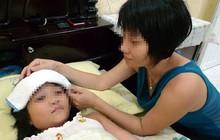 Chăm sóc trẻ sốt xuất huyết thế nào mới đúng?