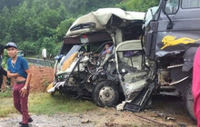 Phú Thọ: Xe khách đối đầu xe ben trên quốc lộ, 6 người nhập viện cấp cứu