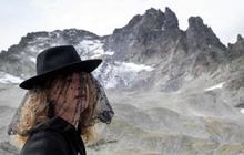 Hàng trăm người tổ chức 'tang lễ' cho dòng sông băng ở Thụy Sĩ