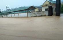 Hơn 1.500 học sinh Hà Tĩnh không thể đến trường vì nước ngập
