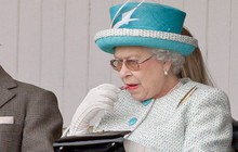 Nữ hoàng Anh luôn trẻ hơn nhiều so với tuổi 93 nhờ kỹ nghệ make up cao siêu chị em nên học ngay nếu muốn hack tuổi