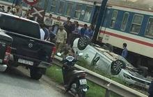 Tàu hỏa tông ô tô lật ngửa, nữ tài xế trẻ tử vong tại chỗ