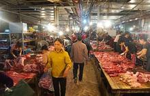 """Giá thịt lợn tăng """"sốc"""", dân buôn kêu ế thảm"""