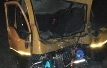 Xe buýt va chạm với xe tải làm ít nhất 31 người thương vong