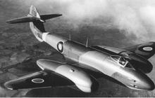 """""""Lão nông"""" Pháp gây bất ngờ với bộ sưu tập máy bay chiến đấu khủng"""