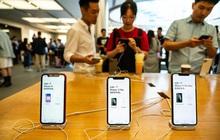 """Trước thì kêu gọi tẩy chay, nay người Trung Quốc """"yêu lại từ đầu"""" Apple?"""