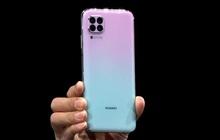 Mặt trước giống Galaxy S10, mặt sau giống iPhone 11 Pro nhưng smartphone này lại mang thương hiệu khác, thế mới hay!