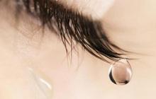 Đã có thể kiểm tra đường huyết của người bị tiểu đường dễ dàng bằng nước mắt, không cần chích tay lấy máu như trước