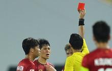 Tác hại không ai ngờ về chiếc thẻ đỏ của Đình Trọng: Lá chắn thép ĐT Việt Nam sẽ bị treo giò ở vòng loại World Cup 2022