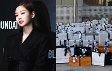 Sướng nhất Jennie: Sinh nhật được fan Trung Quốc tặng tới 70 món toàn Chanel, Louis Vuitton, Gucci... liệt kê chóng cả mặt