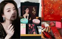 Choáng với quà năm mới toàn mỹ phẩm xịn sò của sao Cbiz: Triệu Lệ Dĩnh, Na Trát tặng nguyên bộ son môi, skincare đắt đỏ