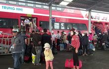 CLIP: Người lao động mang vác hành lý rời Phú Quốc về quê ăn Tết