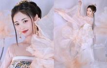 """Visual đỉnh nhất """"Produce 101"""" gây bão với bộ ảnh cổ trang nhưng netizen chỉ chú ý tới """"phốt"""" thái độ trong quá khứ"""