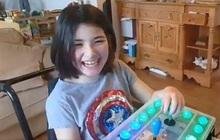 Ấm lòng người cha tự tay làm bộ điều khiển game dành riêng cho con gái tật nguyền