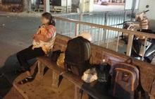 Xôn xao câu chuyện người phụ nữ ôm theo con nhỏ ngồi bơ vơ ở bến xe trong đêm giao thừa vì chồng nhậu say quên đón về quê