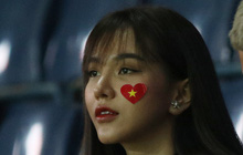 """Ngay buổi sáng đầu năm mới, bạn gái tin đồn của tiền vệ U23 Việt Nam phấn khích với tiếng """"ting ting"""""""