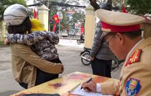 Ninh Bình: Chồng trót uống ly bia bị tạm giữ xe máy, phải thuê xe cho vợ con về