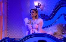 """Ariana Grande """"cứu"""" cả Grammy: Sân khấu hoành tráng, hát lèo một loạt hit khoe giọng đỉnh cao khiến ai cũng trầm trồ!"""