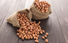 Chứa nhiều dinh dưỡng, có lợi cho sức khỏe, nên ăn lạc, đậu phộng thế nào cho bổ dưỡng nhất?