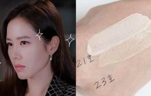 Thì ra bí kíp đánh nền đẹp tự nhiên lại gọn mặt của Son Ye Jin lại chỉ đơn giản là mix 2 màu kem nền với nhau