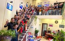 """Tiếp nối trend khoe ảnh đại gia đình năm ngoái, dân mạng phát hiện ra """"kỷ lục"""" nhà có 407 thành viên đây này!"""