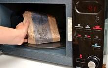 Những loại thực phẩm không nên hâm nóng bằng lò vi sóng nếu không muốn chúng phát nổ hay tích tụ chất độc