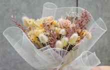 """Shop hoa """"hot hit"""" với sản phẩm hoa khô siêu xinh siêu """"độc"""", tặng hoa dịp 20/10 này chẳng sợ nhàm nữa rồi"""