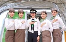 Tấm hình hội tụ rất nhiều sự xinh đẹp từ phi công đến tiếp viên hàng không, ngắm ai trước bây giờ!