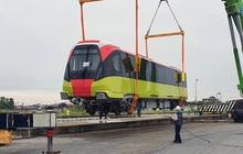 Đoàn tàu metro Nhổn - ga Hà Nội đã về đến Hà Nội, người dân sẽ được tham quan