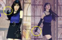 """Irene (Red Velvet) suýt """"toang"""" vì đang diễn mà rơi cả mic lẫn tai nghe, cách xử lý """"cục súc"""" mới gây chú ý"""