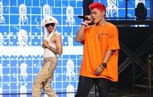 """Độc quyền hậu trường Rap Việt: Wowy đeo tai thỏ chạy quanh sân khấu """"phá"""" Tez"""