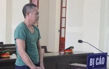 Xót xa cảnh bố bị sát hại, con trai đòi bỏ học giúp mẹ nuôi em