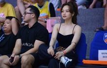 Sau Phương Ly, đến lượt chủ nhân của màn giảm cân rung chuyển Vbiz chiếm trọn spotlight tại giải bóng rổ Việt Nam