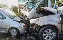 Bắc Ninh: Ô tô lao qua dải phân cách gây tai nạn liên hoàn, 3 người thương vong, ùn tắc hàng chục km
