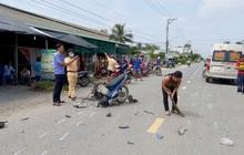 Xe máy vỡ nát, người lái tử vong sau cú đâm khủng khiếp