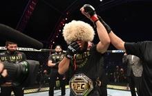 """""""Độc cô cầu bại"""" Khabib hạ gục Gaethje trong trận đại chiến tại hạng nhẹ UFC, gây sốc với tuyên bố giải nghệ đầy bất ngờ"""