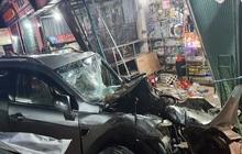 Lời kể hãi hùng của chủ tiệm thuốc thoát chết trong vụ xe điên tông nhiều nhà dân