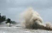 """Chuyên gia nhận định bão số 9 """"có thể khiến một con thuyền lớn dưới biển văng lên đường"""", người dân nên thực hiện những khuyến cáo sau đây!"""