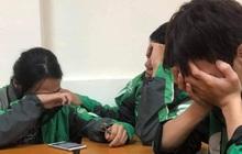 Cuộc điện thoại đẫm nước mắt 3 sinh viên miền Trung đi học xa nhà, chạy xe ôm công nghệ: Bật khóc ngay trong lớp khi nghe tin nhà cửa bị trôi sạch