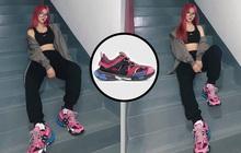 """Hot TikToker Dao Tiểu Dao khoe hypebeast sneaker khiến dân tình săm soi, tưởng đồ """"cổ lỗ sỉ"""" hoá ra lại là """"hàng hịn"""""""