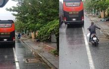 Người dân Huế gõ cửa từng xe xếp hàng trú bão để tặng cơm miễn phí, bất chấp mưa gió khiến ai cũng xúc động