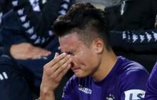 Quang Hải mặt đỏ gay sau trận hoà tiếc nuối, cầu thủ Hà Nội FC tổ chức sinh nhật cho người đặc biệt